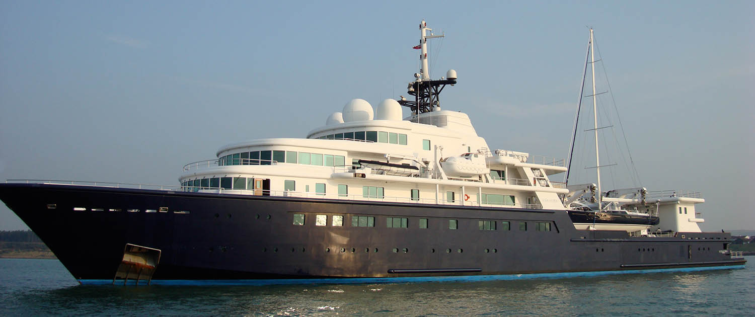 Expedition yacht Le Grand Bleu