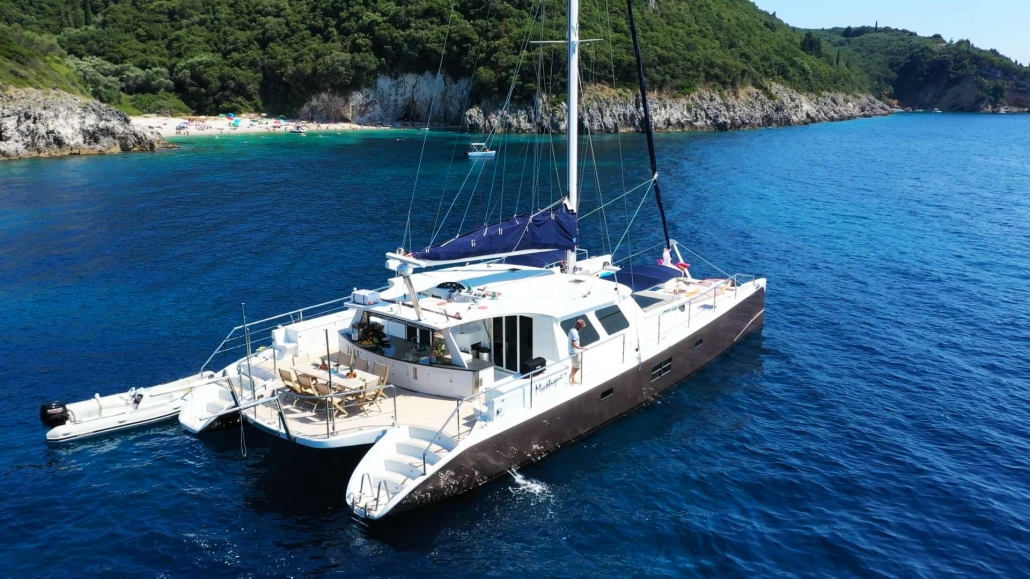 Catamaran Mystique reduced to €15,800 for September charters from Mykonos and Santorini